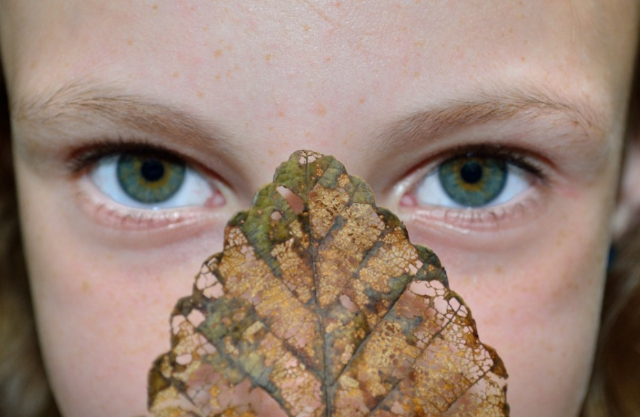 Photo of the Week: Green Eyed Girl with Leaf