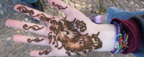 Sydney's Corner: All About Henna