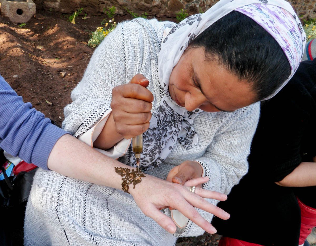 Applying the henna