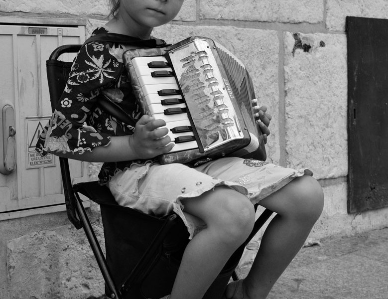 Photo of the Week: Young Polish Street Performer