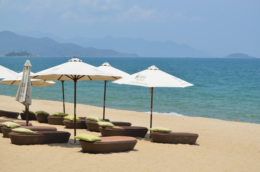 nha trang beach essay Sink your feet into golden sand and take a swim in turquoise waters at nha trang beach, offering leisurely fun for keen swimmers, cyclists, boaters, and jet-skiers take a stroll on the promenade to enjoy the calm ocean breeze and grab something to eat at the surrounding resort restaurants or street.