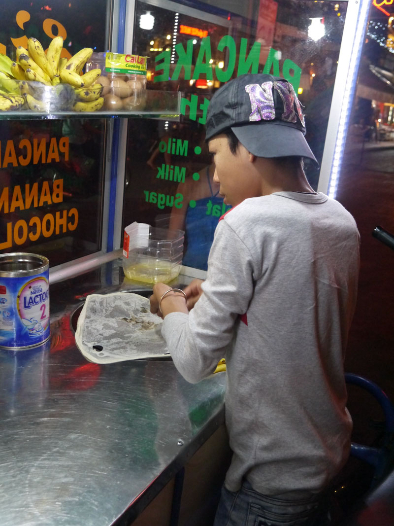 Sydney's favorite street food in Cambodia: Cambodian pancakes