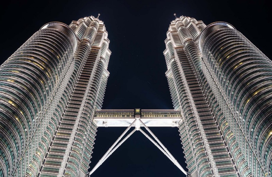 Photo of the Week: Petronas Twin Towers at Night