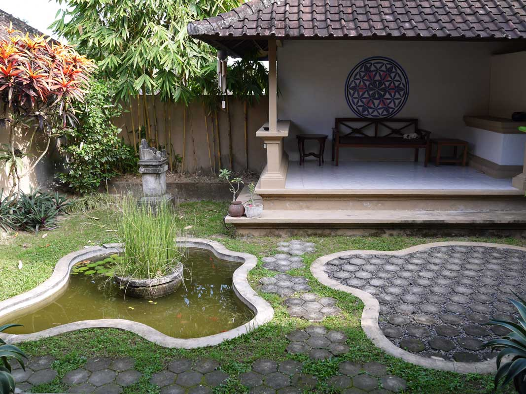 Ubud house courtyard