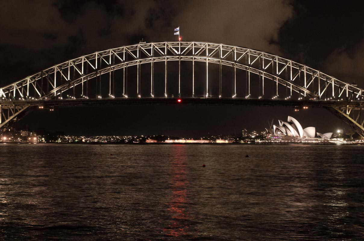 Harbor Bridge and Sydney Opera House at night